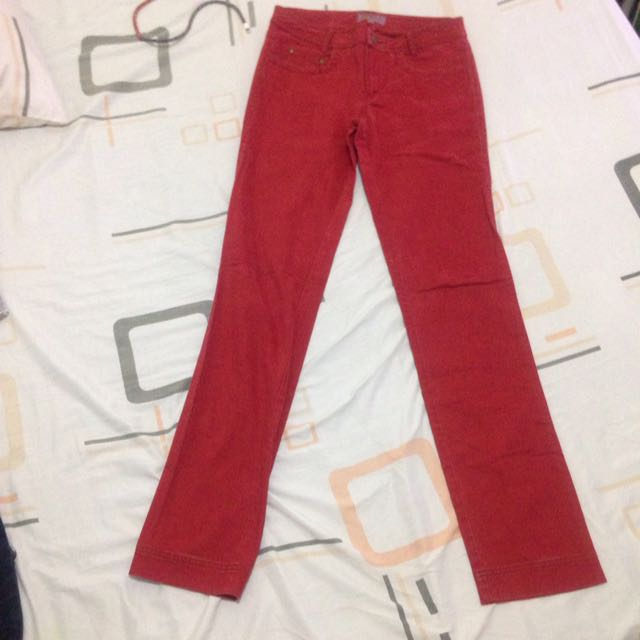 Trucco Red Jeans