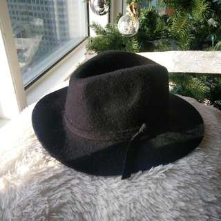 Black Wide Brimmed Hat With Bow Detail