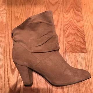 Size 10- Woman Boots.