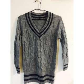 學院風長版針織毛衣