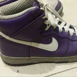 nike purple shoes! size 7.5 ! authentic