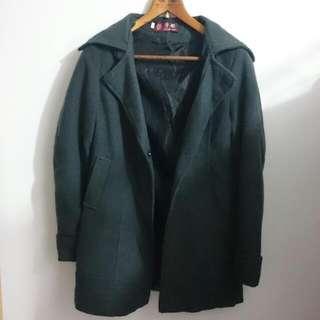 深灰 保暖大衣