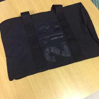 黑色帆布大旅行袋