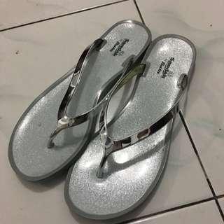 Sandal Bata