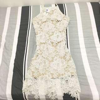 BNWT Sleeveless Elegant Crotchet Dress