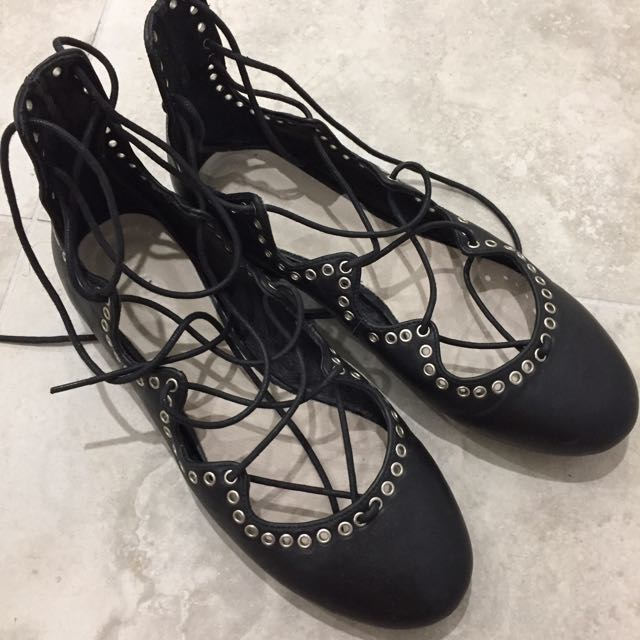 38 SEED Lace Shoes