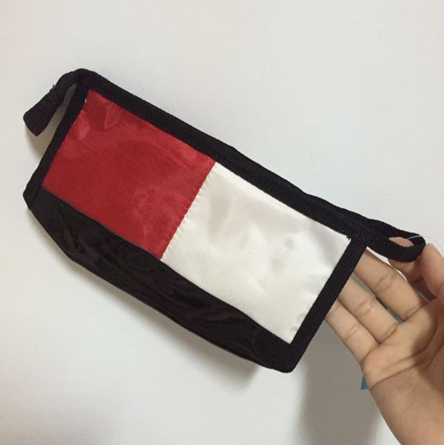大容量紅白筆袋