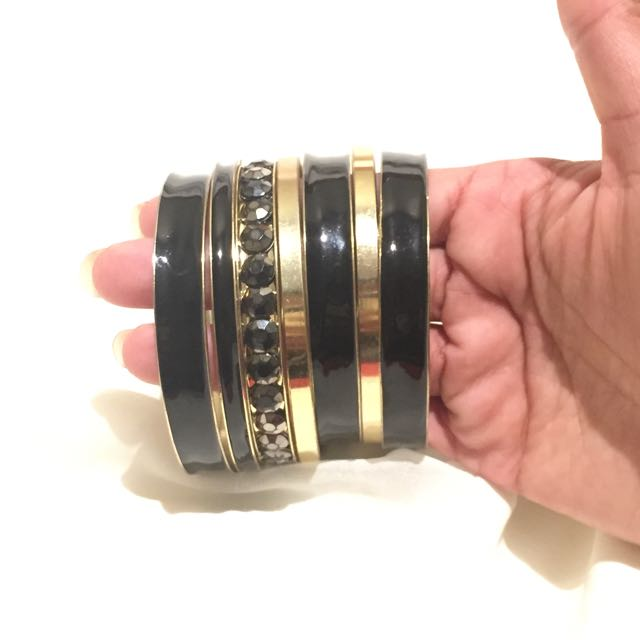 Black And Gold Bangles Set