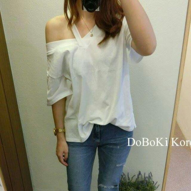 DOBOKI Korea 韓製 正韓 隨性露肩棉質上衣 白色 斜肩 一字領