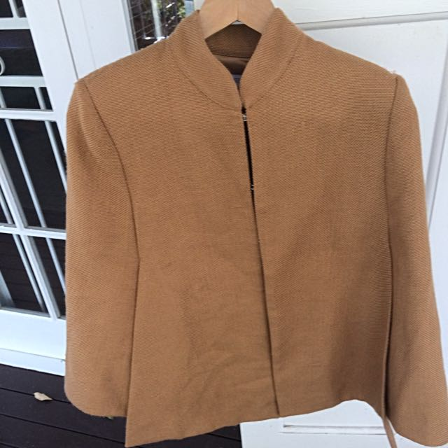 Finders Keepers Natural Brown Cape Size 10