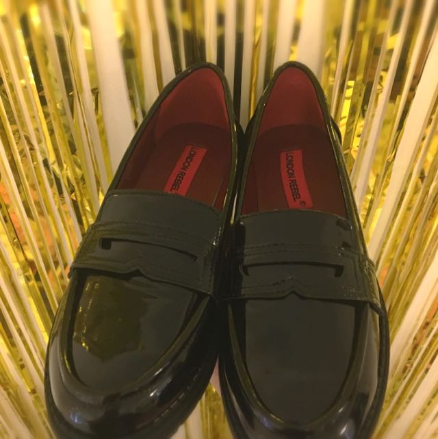London Rebel - Black Patent Loafers (Size 37)