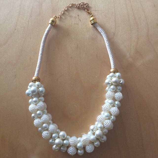 Mutiara Necklace