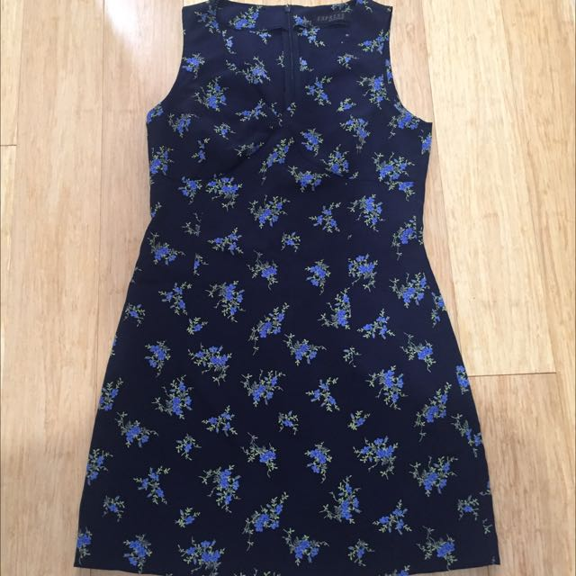 Navy Floral 90s Play Suit Size 8