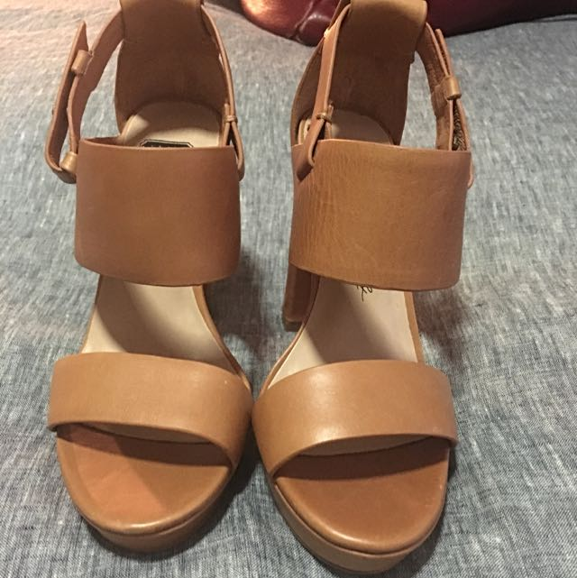 SKIN Hello Midnight Tan Heels