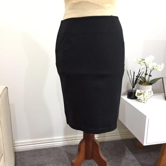 Target Black Mid length Skitt