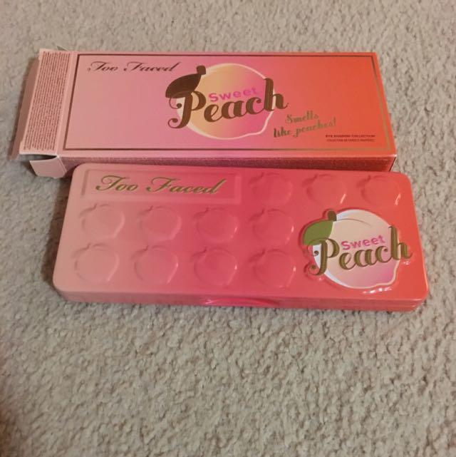 Two Faced Peach Palette