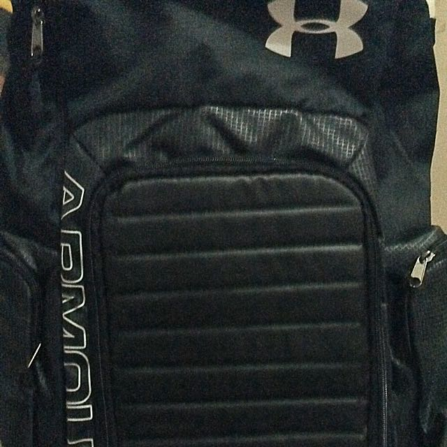 UNDER ARMOUR (black Backpack)