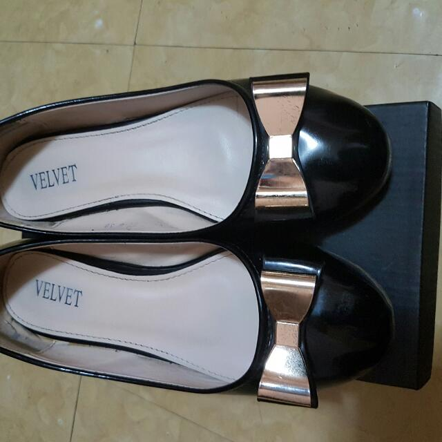 VELVET Women's Shoes