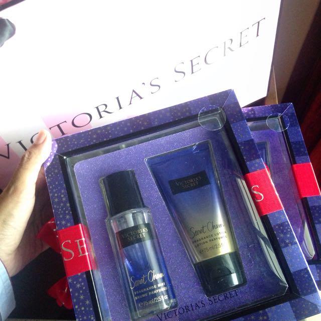 Victoria's Secret - Secret Charm Gift Set