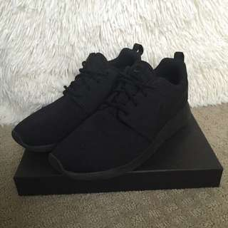 Triple Black Womens Roshes