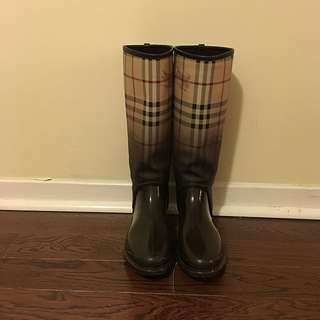 Burberry Rain Boots Size 6