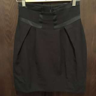 Cue Skirt Size 6