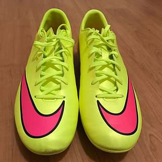 Nike Soccer Shoes SZ 10