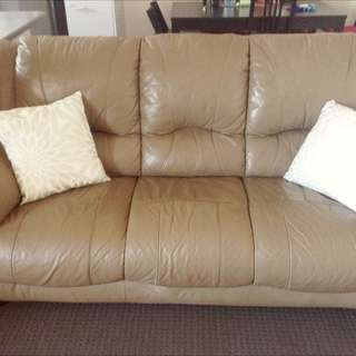 Comfortable Luxury Lounge Set For Bargain