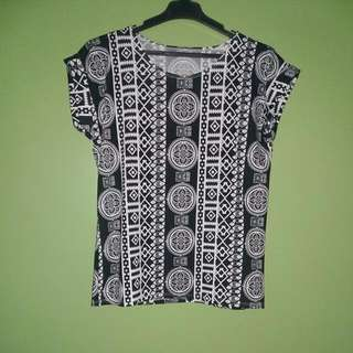 ***SALE*** Black N White Blouse