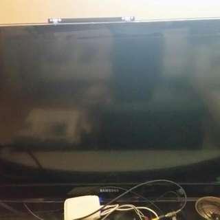 """Samsung 40"""" LCD TV Spoilt"""