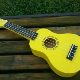 Ukulele 黃色
