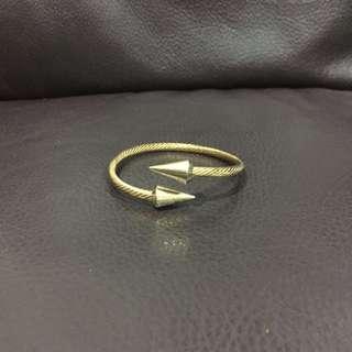 金色卯釘手環  含運