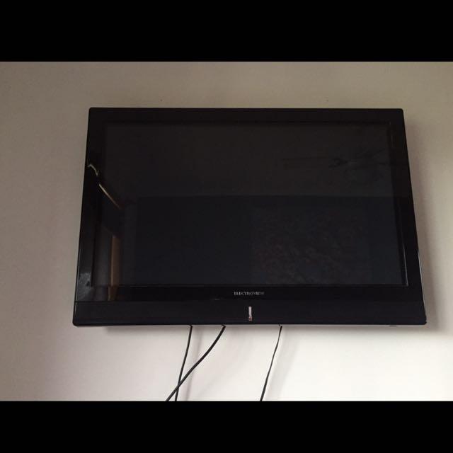 """42"""" Flat Screen TV"""