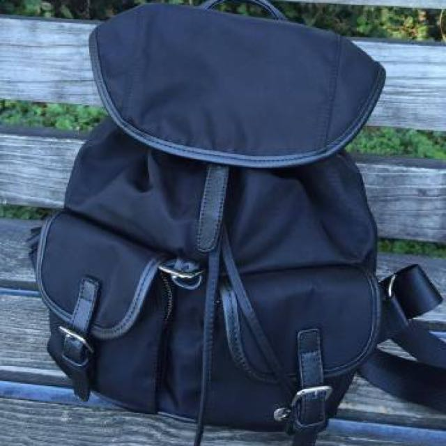 超機能型時尚新款防水後背包(保留中)