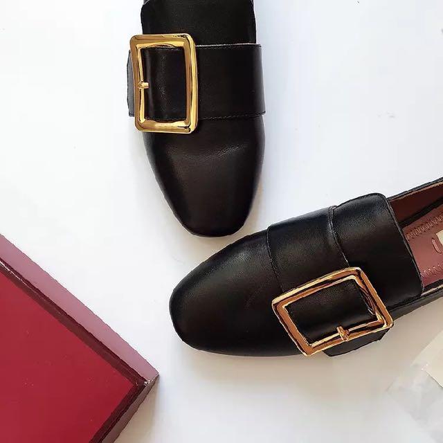 復古金屬釦低跟鞋
