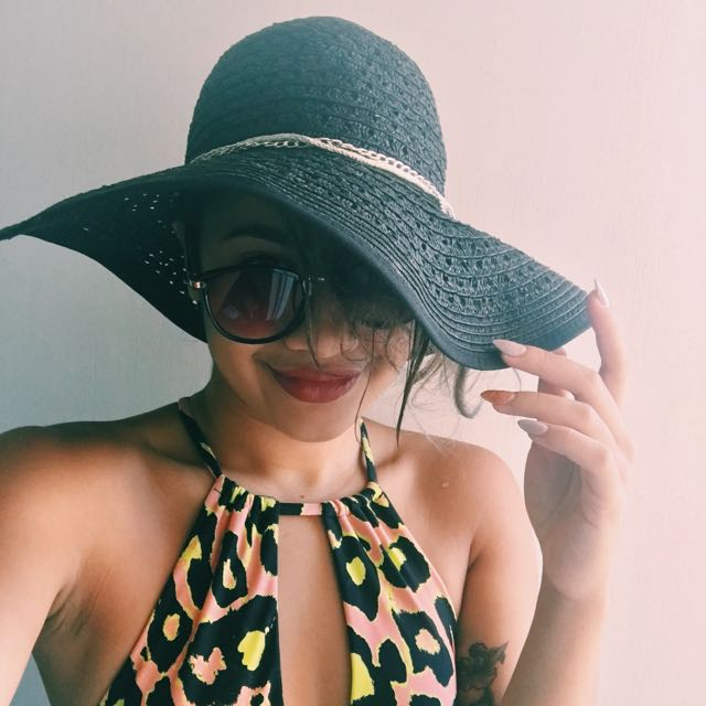 Floppy Beach Hat - Black
