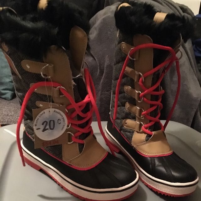 Canadian Brand New Boots Size 8