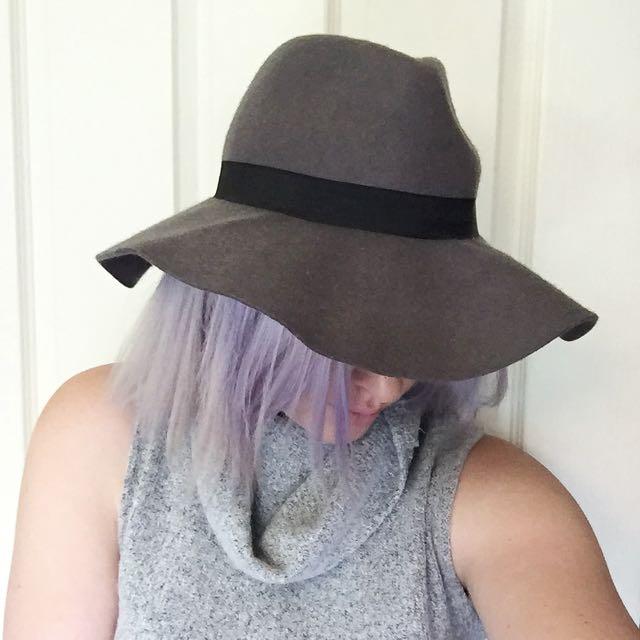 Grey Felt Hat // Cotton On