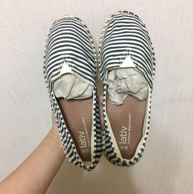 Lativ深藍白編織包鞋