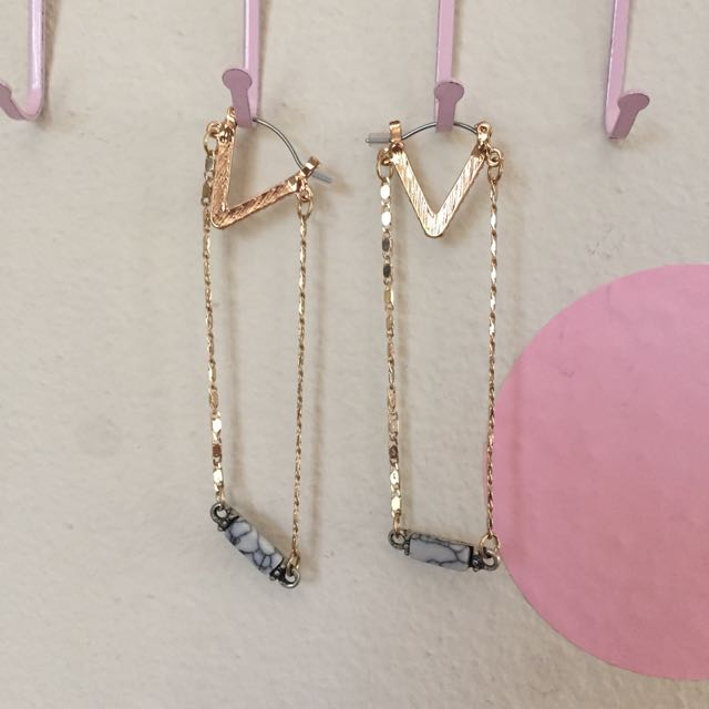 Lovisa Triangle Drop Earring w/ Faux Marble Detail