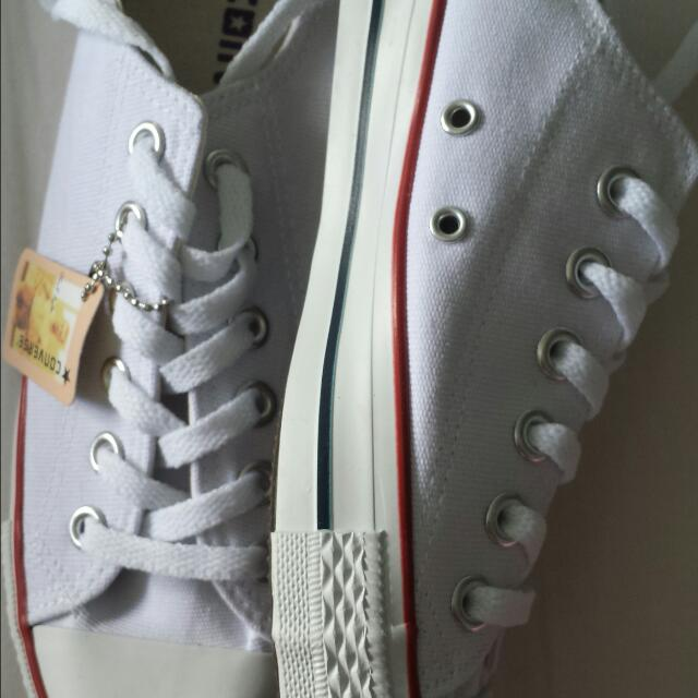 NEW Womans White Converse