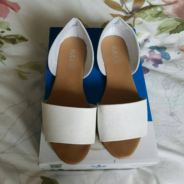 Size 7/38 White Open Flats