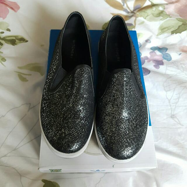 Size 7/38 Witchery Flats