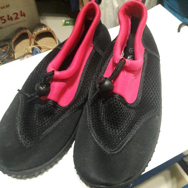 SM Beach Shoes