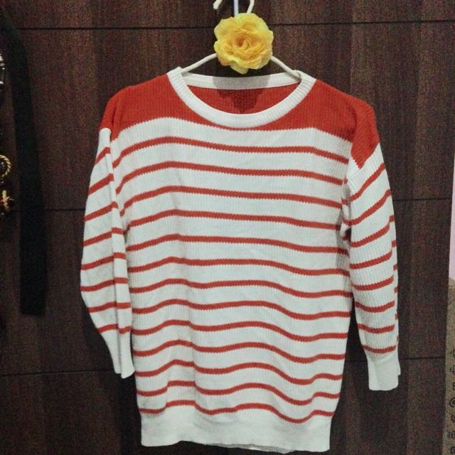 Sweater Garis Orange