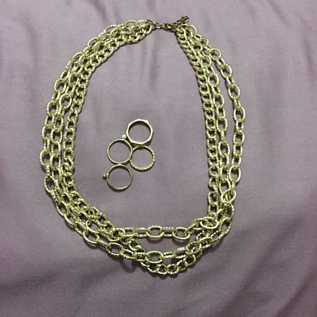 Triple Gold Chain Necklace With Free H&M Rings (small)