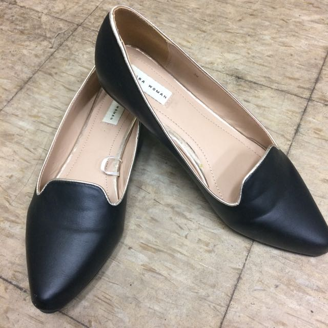 Zara 金邊尖頭平底鞋39號