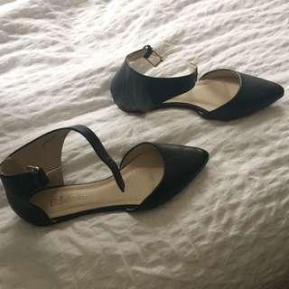 Bella Marie Black Flats