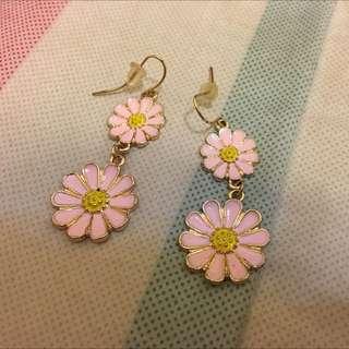 垂吊式 粉紅花花耳環