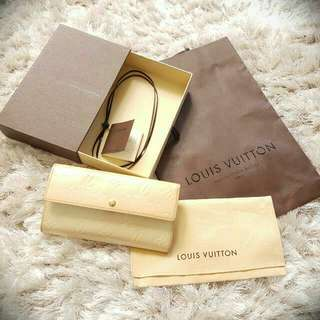 (Price Negotiable) Louis Vuitton Perle Vernis Patent Leather Wallet With Original Dust Bag, Gift Box And Paper Bag